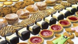 _70727919_cakes